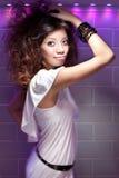Menina chinesa asiática bonita do partido e da dança Fotografia de Stock