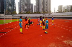 Menina chinesa no treinamento Foto de Stock Royalty Free