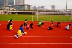 Menina chinesa no treinamento Imagens de Stock