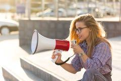 Menina com altifalante Foto de Stock Royalty Free