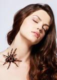 Menina com aranha Fotografia de Stock