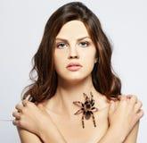 Menina com aranha Fotografia de Stock Royalty Free
