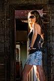 Menina com arma imagem de stock royalty free