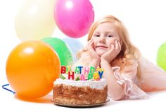 Menina com bolo de aniversário Foto de Stock