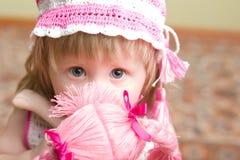 Menina com boneca Imagens de Stock Royalty Free