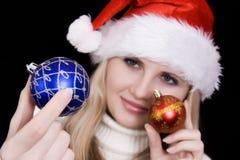 Menina com bulbo do Natal Fotos de Stock Royalty Free