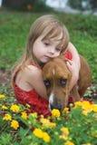 Menina com cão imagem de stock royalty free