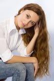 A menina com cabelo longo Imagens de Stock Royalty Free