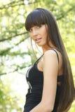 Menina com cabelo longo em ao ar livre Imagem de Stock Royalty Free