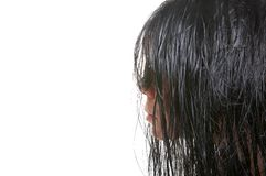 A menina com cabelo molhado Imagens de Stock