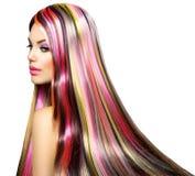Menina com cabelo tingido colorido fotos de stock