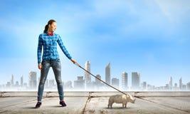 Menina com canguru Imagens de Stock