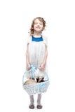 Menina com cesta Fotografia de Stock Royalty Free