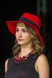A menina com chapéu vermelho Imagem de Stock