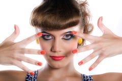 Menina com composição e manicure fotos de stock