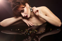Menina com cristais Fotos de Stock Royalty Free
