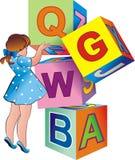 A menina com cubos do brinquedo Fotografia de Stock