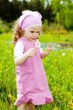 Menina com dente-de-leão Foto de Stock Royalty Free