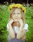 Menina com dente-de-leão Imagem de Stock