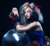 Menina com esfera do disco Imagens de Stock Royalty Free