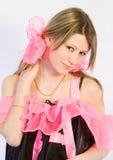 A menina com fita cor-de-rosa Foto de Stock Royalty Free