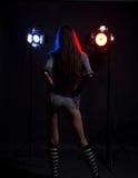 Menina com flashes brilhantes do estúdio Imagem de Stock Royalty Free