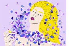 Menina com flores violetas Fotografia de Stock Royalty Free