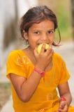 Menina com fome deficiente Imagens de Stock