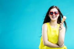 Menina com gelado imagens de stock royalty free