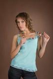 A menina com grânulos Fotos de Stock Royalty Free