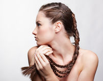 Menina com hair-do creativo Fotos de Stock Royalty Free