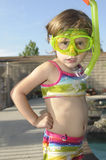 Menina com máscara e snorkel Fotos de Stock Royalty Free