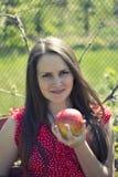 Menina com maçã Foto de Stock