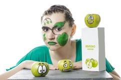 A menina com maçãs Fotografia de Stock