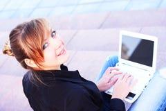 A menina com o caderno Foto de Stock