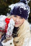 Menina com o coração vermelho Fotografia de Stock Royalty Free