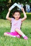 A menina com o portátil Imagem de Stock Royalty Free