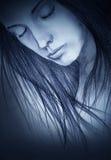 Menina com os olhos fechados Fotografia de Stock Royalty Free