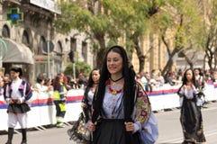 Menina com os trajes típicos sardos Fotos de Stock