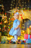 Menina com presentes do Natal Fotos de Stock Royalty Free