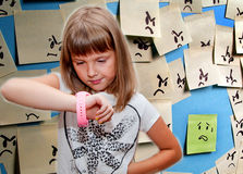 Menina com pulso de disparo Fotografia de Stock