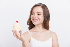 Menina com queque Fotografia de Stock