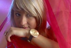 Menina com relógio Imagens de Stock Royalty Free