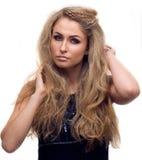 Menina com seu cabelo encaracolado Imagem de Stock Royalty Free