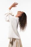 Menina com túnica de tamanho grande, retrato Fotografia de Stock