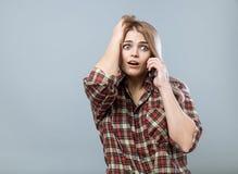 Menina com telefone Imagem de Stock