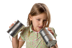 Menina com Tin Can/telefone da corda - Tangled no cabo Fotos de Stock Royalty Free