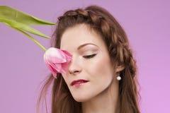 Menina com tulipa Imagem de Stock Royalty Free