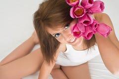 Menina com tulips Imagem de Stock