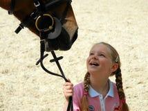 Menina com um cavalo fotos de stock
